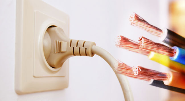Consejos para evitar accidentes eléctricos en casa