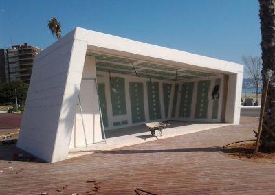 Instalación en la playa del Torreón.